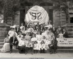 REUNION PHOTO OF THE OBERLIN COLLEGE CLASS OF 1892